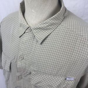 Columbia Omni Shade Vented Button up shirt XL